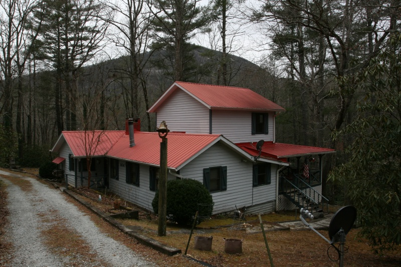 UNrestricted Family Home in Whiteside Cove